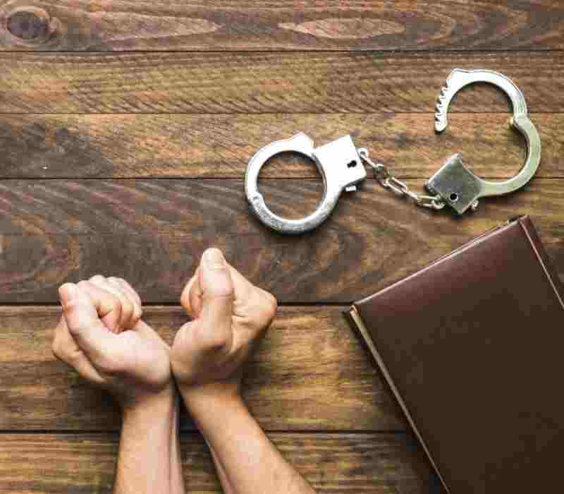 אתה מואשם בעבירת סחיטה באיומים? דע מהן זכויותיך